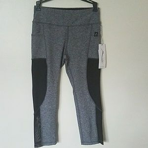 X by Gottex athletic capri pants with pockets, NWT